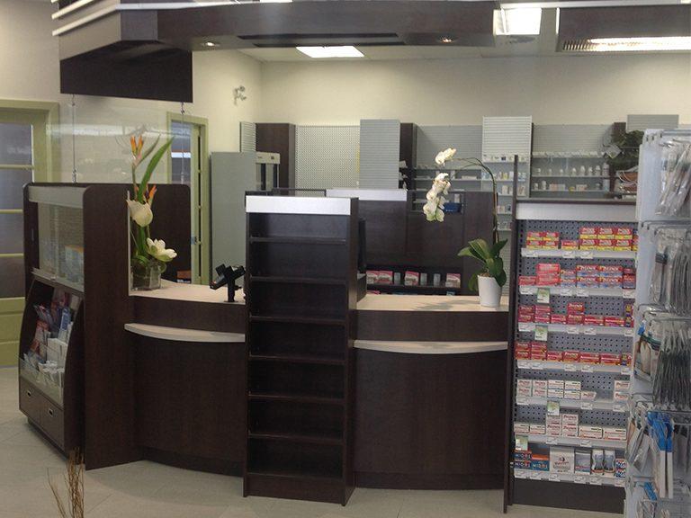 Aménagement intérieur de pharmacie à Ste-Anne-de-Bellevue - Pharmatec